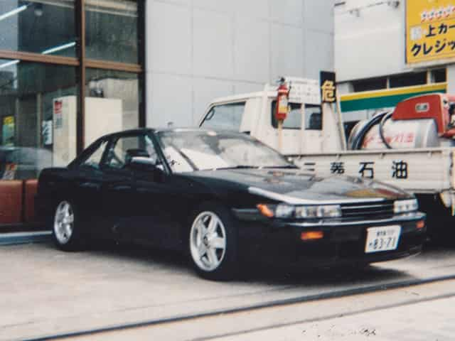 >最初にローンで買ったのはS13のシルビア(黒)でした