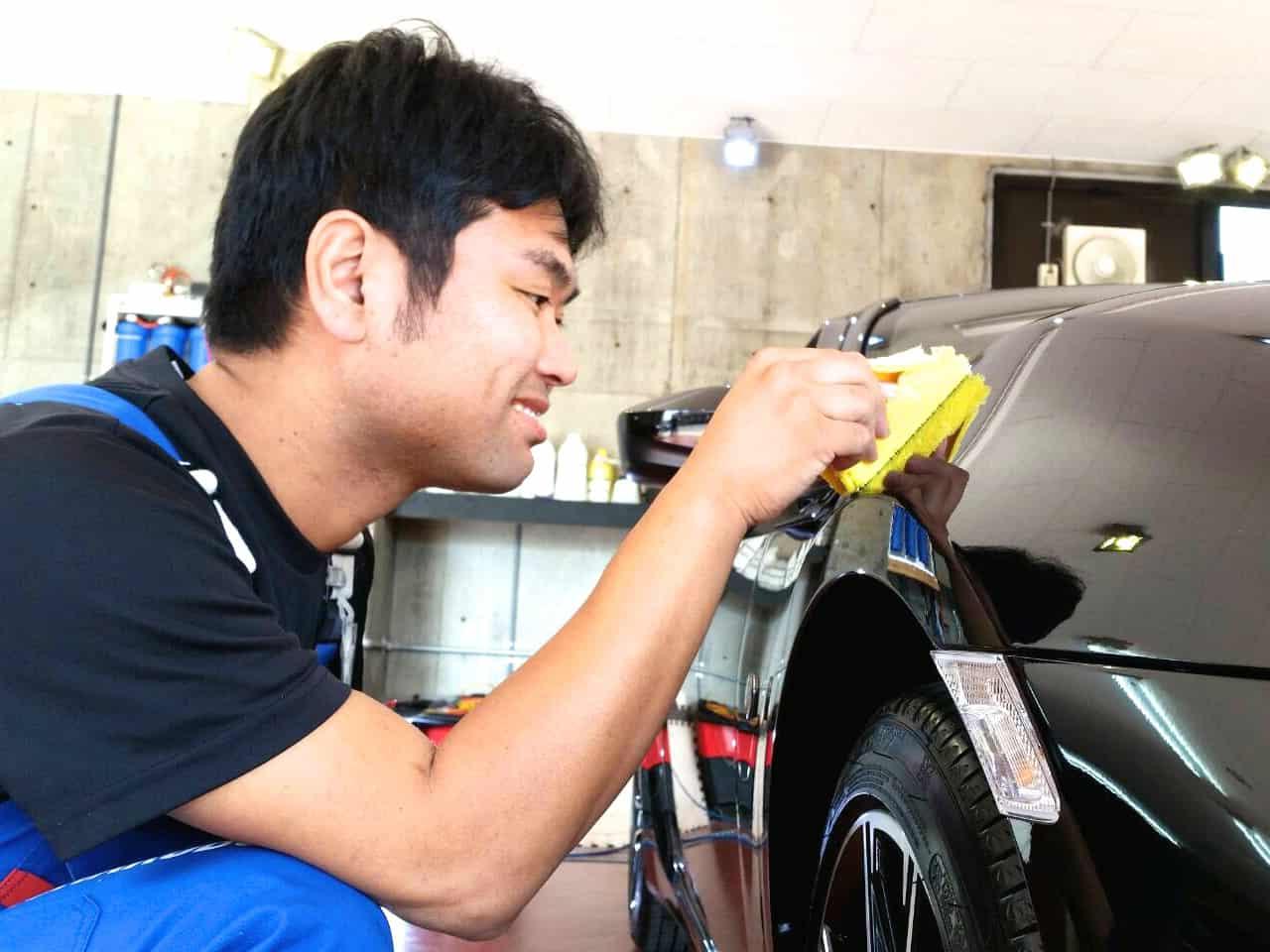 洗車工房のスタッフが1番気を付けている事。 それは「あなたの愛車を大切に取り扱う」ということです。